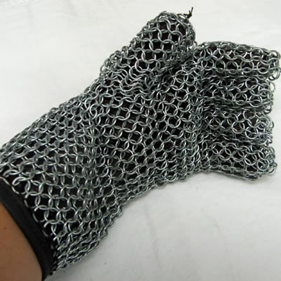 A five-fingers stainless steel mesh glove with a short sleeve and black lining.